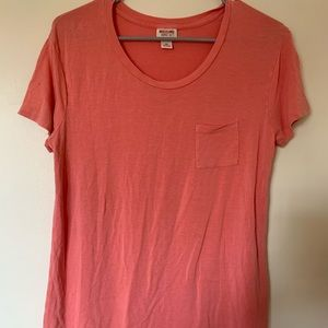 Salmon colored scoop neck t-shirt